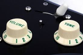 4031l left handed custom manufactured gilmour style black black strat recessed mini toggle switch 62 green lettered numbered control knobs