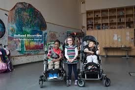 La Fondation Teamsters Canada remet 10 000 $ à Holland Bloorview Kids  Rehabilitation Hospital | Teamsters Canada