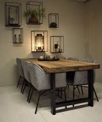 table and wall deco