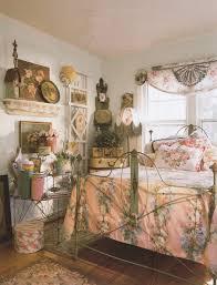 Modern Interior Design With Vintage Furniture And Decor - Cottage house interior design