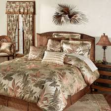 coastal themed bedroom having brown duvet cover sets with sham pillow and cushion on