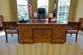 obama oval office desk. Obama Oval Office Desk M