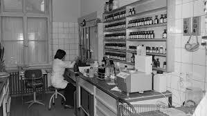 Sie seien im abstand von wenigen stunden bis zu 22 tagen nach einer impfdosis gestorben, heißt es. Die Toten Von Marnow Westliche Pharmatests In Der Ddr Ndr De Geschichte Orte