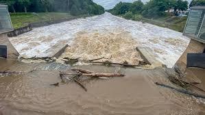 Nach dem schweren unwetter und der sturzflut in mosbach hat sich landrat reinhard krebs heute umgehend gekümmert und den kontakt zum infrastrukturministerium aufgenommen. 1n0zpjl Ktlttm