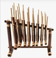 Kumpulan alat musik tradisional beserta gambar, asal, dan cara memainkannya. 10 Alat Musik Tradisional Indonesia