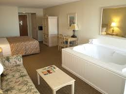 oceanfront jacuzzi suite hotel rooms in nags head north ina