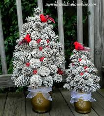 Pine Cone Crafts Pinecone Christmas Decorations Diy Glitter Pine Christmas Pine Cone Crafts