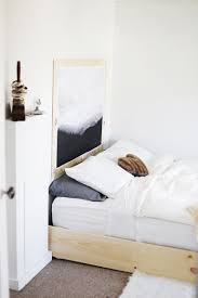 ... Minimal Bedroom @themerrythought ...