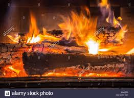 Den Kamin Mit Dem Brennenden Holz In Der Wohnlandschaft