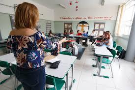 Doria prevê aumentos na forma de subsídios em reestruturação da carreira de  professor - 13/11/2019 - Educação - Folha
