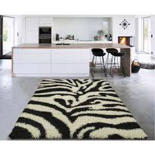 cozy collection black and white 5 ft x 7 ft indoor area rug