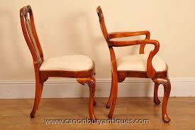 Antique Esszimmerstühle