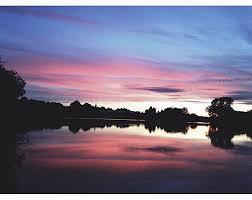 a 6 km lac de pannecière 520 ha est le plus grand lac du parc naturel régional du morvan d une longueur maximale de 13 km il s étend sur quatre