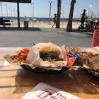 הבינגו של הקיץ: ג'אנק פוד אמריקאי מושלם בחוף גורדון