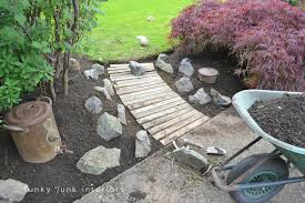 pallet walkway ideas wood garden