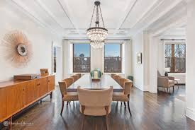 bruce willis home boasts a wonderful dining room with a grand looking chandelier on