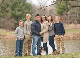 Neutral color scheme during large family photography session in Iowa More