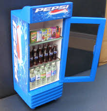 Miniature Vending Machine Cool 48482 Scale Single Door Pepsi Cooler Dolls House Miniature Pub Bar