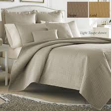 Solid Color Quilts and Matelasse Coverlet Bedding | Touch of Class & Hudson Quilted Coverlet Set Adamdwight.com
