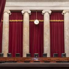 Die Absurdität der lebenslangen Richter