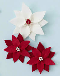 Poinsettia Pattern Simple Decorating Ideas