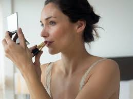how to apply makeup in 10 minutes or less