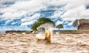 Resultado de imagem para rio revolto