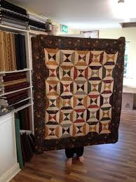 Kilbora Quilt Shoppe: Quilting Weekends & Mairead's gorgeous quilt. Our quilt will be a variation on this! Adamdwight.com
