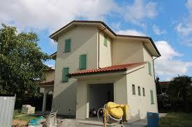 Villa Pontedera Vendita € 389.000 180 mq riscaldamento autonomo box -  Cambiocasa.it