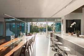 Architect Guy Peterson Grounds His Latest Home Design in Nature ...