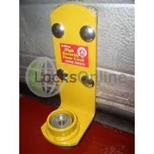 garage door locksBuy Bulldog Garage Door Lock  Roller Garage Door Lock  Locks Online