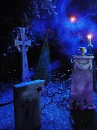 halloween lighting tips. love everything tombstones little eyes in the bushes fog lighting halloween tips