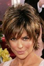 účesy Vlasy A Image Svět účesů Lisa Rinna Krátký Vrstvený