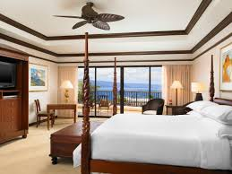 On Suite Bedroom Oceanfront Suites In Maui Sheraton Maui Resort Spa Suites