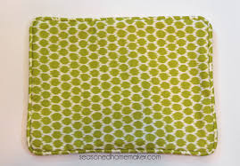 easy pillow designs. simple and detailed tutorial explaining how to add piping an envelope pillow. easy pillow designs
