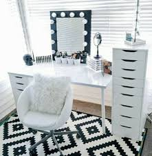 goals makeup room and beauty interior photo
