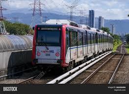 Tabrakan lrt malaysia ini terjadi di terowongan bawah tanah dekat menara kembar petronas, pada senin (24/5/2021) sekitar pukul 20.45. Malaysia Lrt Train Image Photo Free Trial Bigstock