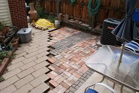 setting-paver-patio-pattern
