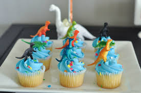 This Modern Dinosaur Birthday Party Isnt A Pain To Pull Off