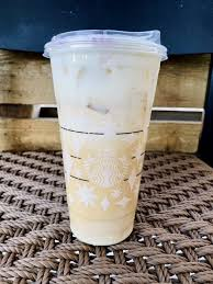 New toasted marshmallow hot chocolate delicious mocha sauce is combined with marshmallow syrup, topped with marshsmallow flavoured whipped cream and finished with a caramalised sugar topping. You Can Get A Toasted Marshmallow Cold Brew From Starbucks That Will Send You Into The Clouds