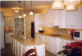 what color backsplash with white cabinets ideas