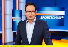 Bundesliga-Medien-Rechte: Gibt es Live-Spiele für alle am Samstagabend? -  Medien - Gesellschaft - Tagesspiegel
