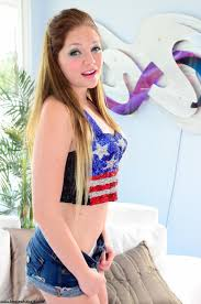The playful peaches teen Jessie Andrews shows deficient keep young.