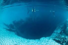 Los agujeros azules Images?q=tbn:ANd9GcRFDtGlinG3rzunuR8E38SQad4TojJW9r0lScIorHLhdCE2CbNfAw