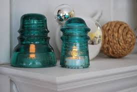 upcycling ideas with glass insulators home and garden decorations diy 13 42