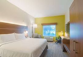 book holiday inn express suites ta
