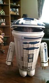 r2d2 garbage can trash can costume gotta do this for diy r2d2 trash can costume r2d2 garbage can wrap