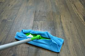 Homemade Wood Floor Cleaner   Safe For Wood And Laminate Floors!  Inexpensive DIY