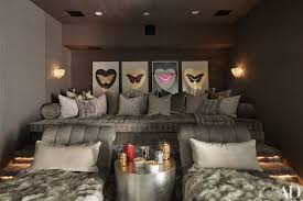 Kim Kardashian Bedroom Decor A Peek Inside Khloac And Kourtney Kardashians Gorgeous Houses In