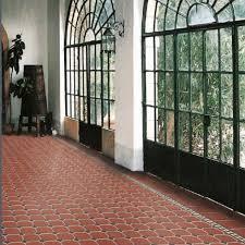 Pavimento Cotto Rosso : Pavimento in gres rosso effetto cotto pietra e marmo
